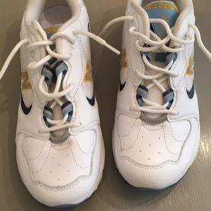 New Balance 653 Waking Tennis Shoes Sz 8 B EC!